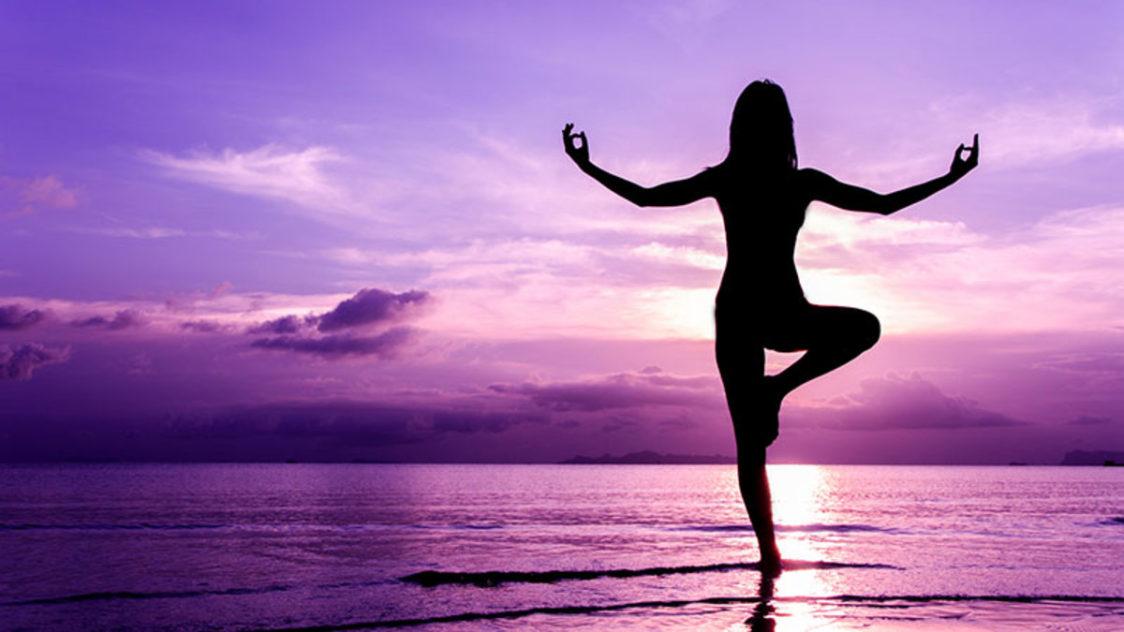 yoga e1552955170860 - 9 Claves para ser feliz